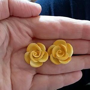 YELLOW ROSE EARRINGS VINTAGE